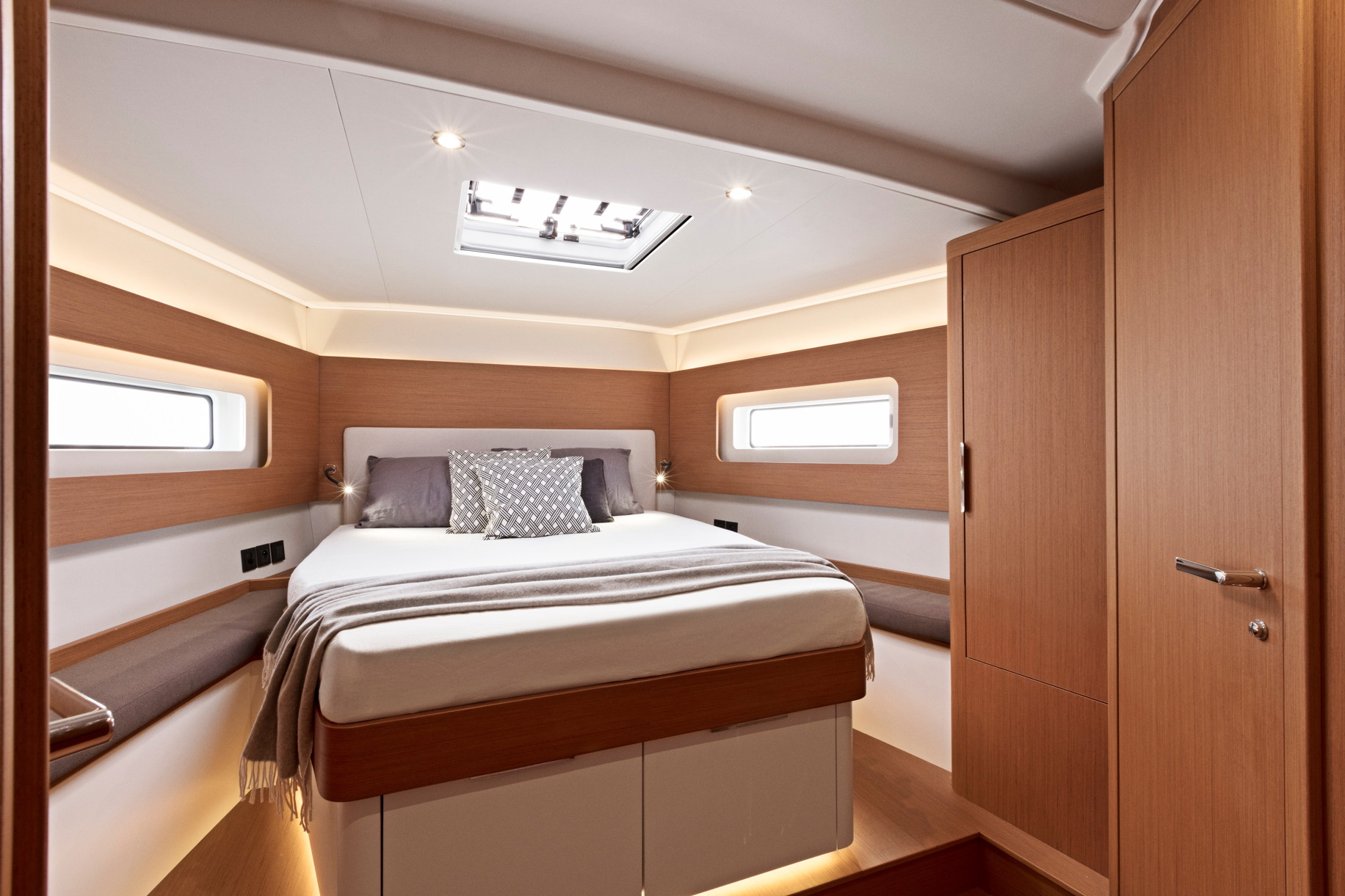 First 53 Yacht Main Cabin2